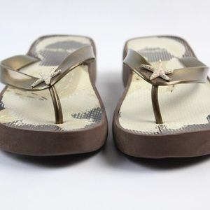 Brighton Brown Wedged Flip Flops Size Large